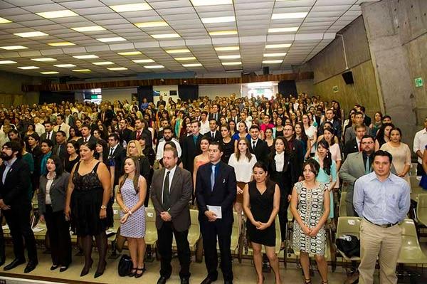 A finales de febrero se celebraron varios actos de graduación en el auditorio de la Faculad de Derecho de la Universidad de Costa Rica.