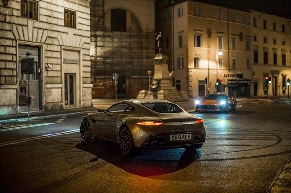 Así se ve el Aston Martin DB10, | EN SPECTRE . SE FABRICARON DIEZ AUTOS DEL MISMO MODELO PARA LA CINTA. DISCINE PARA LN