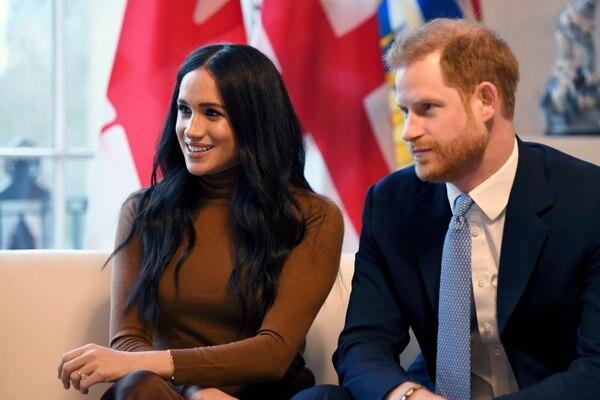 El 8 de enero, Meghan y Enrique anunciaron su deseo de retirarse de la realeza británica. Foto: AP