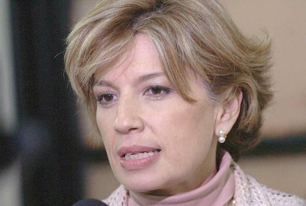 La ministra de Economía, Mayi Antillón, solicitó a los consumidores estar atentos al tema de especulación. | ARCHIVO.