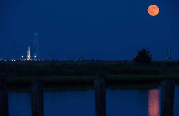 Imagen tomada la noche antes del lanzamiento