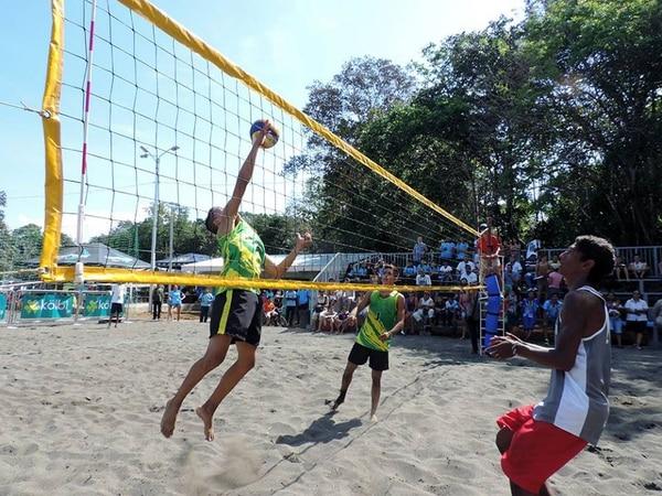 El voleibol de playa de Juegos Nacionales se realiza en el colegio Técnico Profesional de Puerto Jiménez de Golfito.
