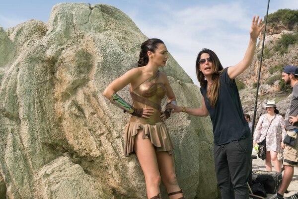 El estilo de Jenkins es minucioso. Ella misma instruyó a Gadot sobre sus movimientos en las secuencias de batalla. Cortesía de Warner Bros.