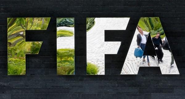 14 altos oficiales de FIFA serán procesados por cargos federales de corrupción.