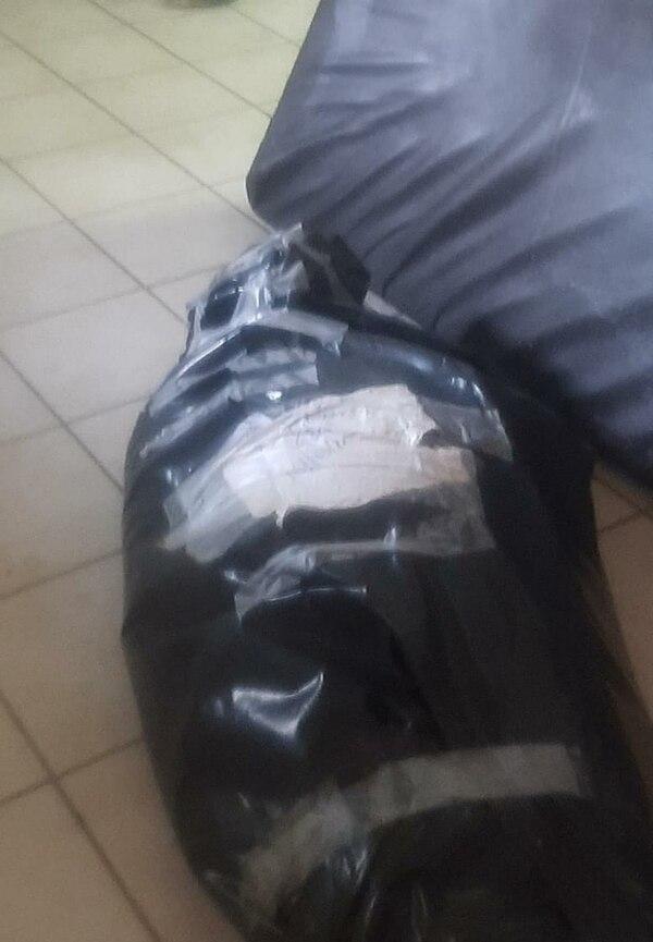 Esta foto corresponde a un cuarto provisional habilitado en el Hospital Alemán Nicaragüense para ubicar cadáveres que no caben en la morgue. La foto fue tomada a mediados de mayo. Foto: Cortesía