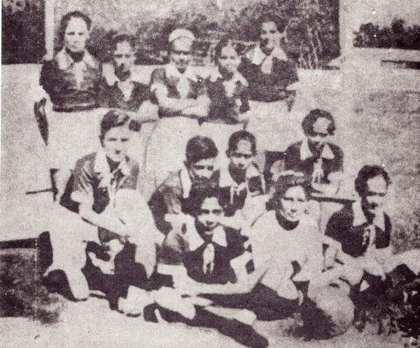 Equipo de niños al final de la década de los 30, que daría origen al Deportivo Saprissa. Foto: Cortesía José Antonio Pastor
