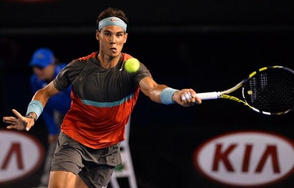 Rafael Nadal avanzó a la segunda ronda del Abierto de Australia.