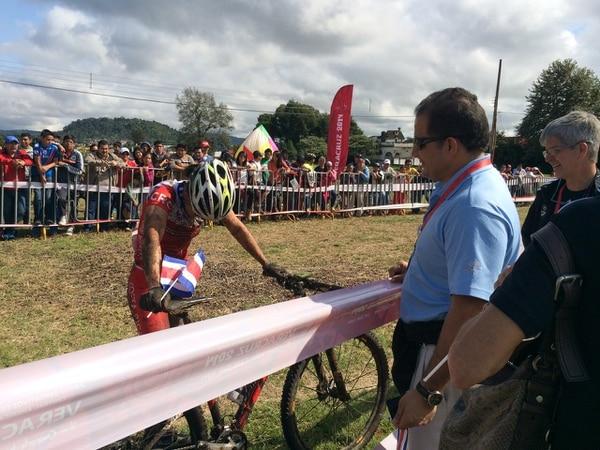 Adriana Rojas tras finalizar la competencia en la que consiguió la primera medalla para Costa Rica en los Juegos Centroamericanos y del Caribe.