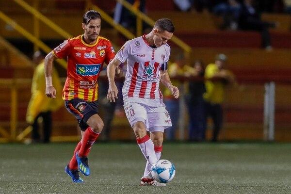 Wílmer Azofeifa, durante un partido entre Santos y Herediano por el torneo nacional. Fotografía: José Cordero.
