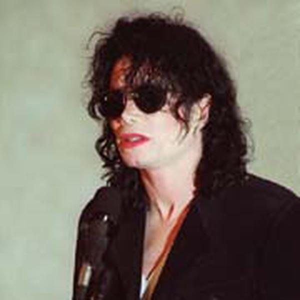 Para muchos, la caída libre de Michael Jackson se produjo tras la publicación del documental de Martin Bashir. Foto AFP