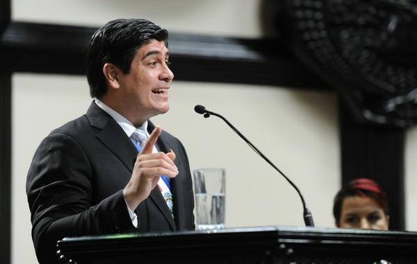 Durante la presentación de su primer informe de labores, el pasado 2 de mayo en la Asamblea Legislativa, el presidente Carlos Alvarado también urgió a los diputados aprobar el proyecto de ley para emitir eurobonos. Foto: Melissa Fernández