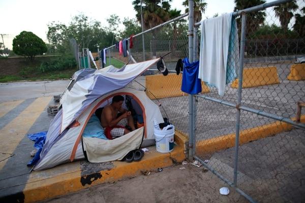 José Antonio Sánchez, migrante hondureño, espera desde hace dos meses en matamoros, México, su oportunidad de solicitar asilo en Estados Unidos.
