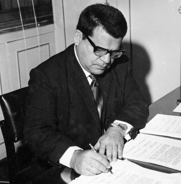 El químico y físico costarricense Gil Chaverri Rodríguez (1921-2005). Foto: Cortesía de Daniel Chaverri.