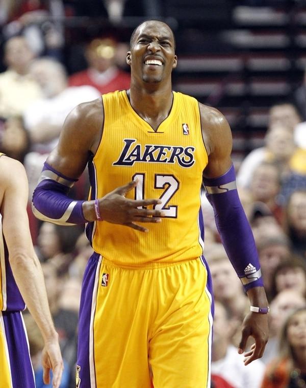 Dwight Howard llegó hace un año a los Lakers y ya está pensando en buscar un mejor equipo.