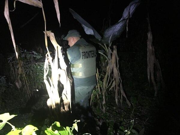 La Policía de Fronteras aún busca al presunto coyote. Foto: MSP.
