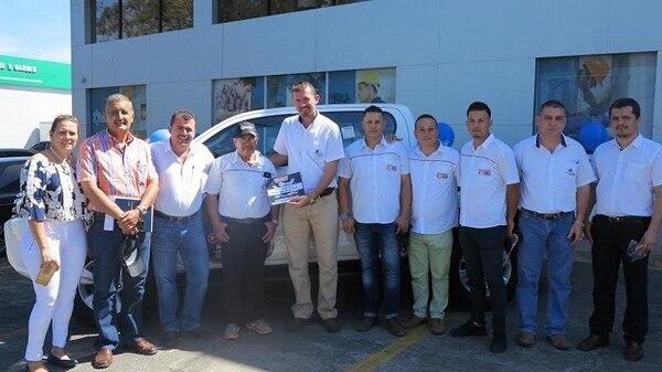 En Guápiles, la ganadora del vehículo fue la Constructora y Consultora Moras SRL.