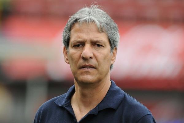 Carlos Restrepo en una fotografía tomada en el 2011, cuando dirigía al equipo de Pérez Zeledón.