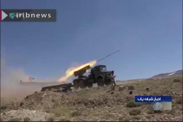 La televisión oficial iraní difundió imágenes -este viernes 12 de julio del 2019- un ejercicio de fuego con artillería en un una ubicación sin precisar.