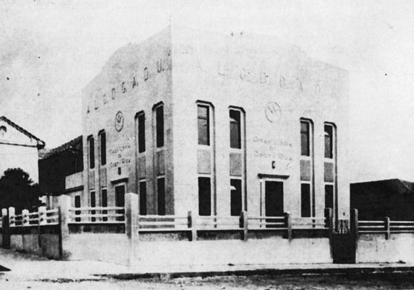 Edificio de la Gran Logia de Costa Rica en 1937. Fotografía de autor no determinado, tomada de La masonería en Costa Rica. Cuarto período , de Rafael Obregón Loría y George Bowden, 1940..