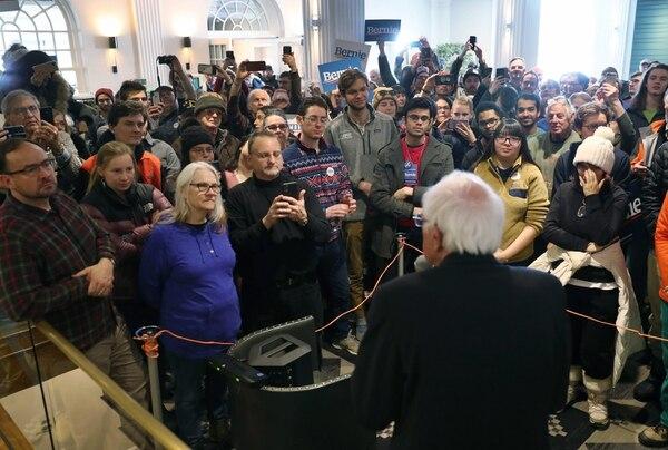 Bernie Sanders les habló a un grupo de ciudadanos que se congregaron este domingo 9 de febrero del 2020 en Hanover, Nuevo Hampshire.