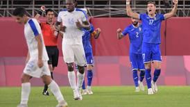 Un autogol de Elvin Oliva da la victoria a Rumanía ante Honduras en Tokio