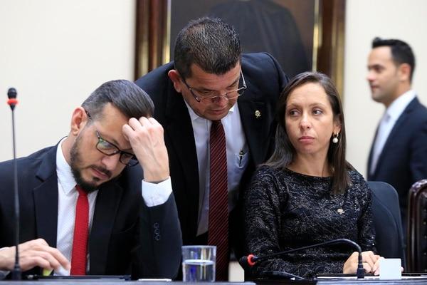 Los diputados del PAC: Enrique Sánchez (izquierda), Carolina Hidalgo y Luis Ramón Carranza . Foto: Rafael Pacheco