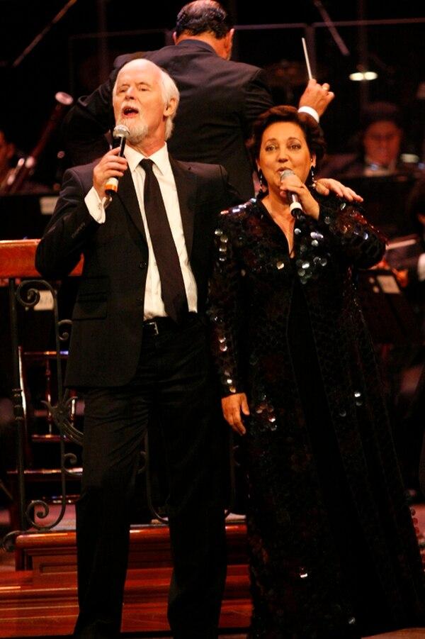 Sergio Blanco cantó por última vez en Costa Rica en diciembre del 2012. Su esposa Estíbaliz y el resto del grupo regresaron el año pasado pero sin él. Archivo