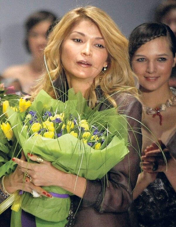 Esta foto de Gulnara Karimova le fue tomada en una pasarela de modas en Moscú, Rusia, en el 2011.   AP
