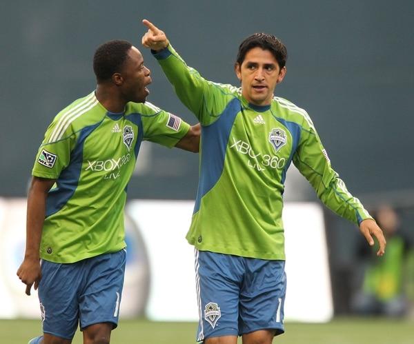 Leonardo González festeja uno de sus goles con el Seattle Sunders de la MLS.