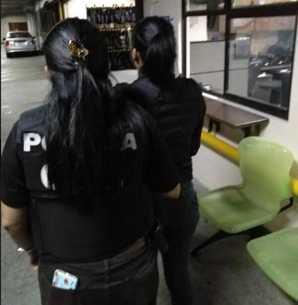 La mujer detenida es de apellido Miranda. Ella no cuenta con antecedentes policiales. Foto de OIJ