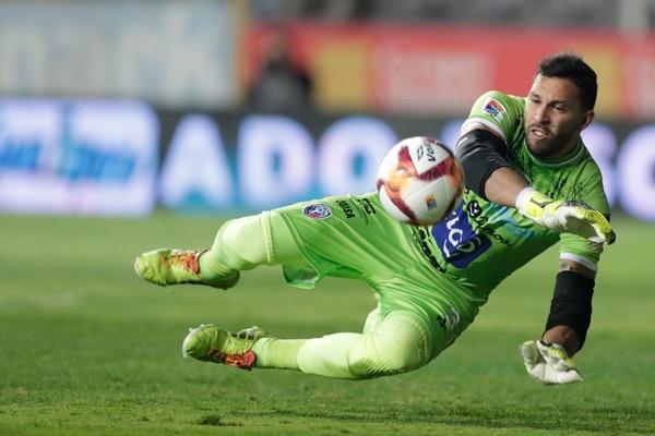 Marco Madrigal tuvo una gran actuación en el primer partido del torneo, ante Saprissa. Fotografía José Cordero