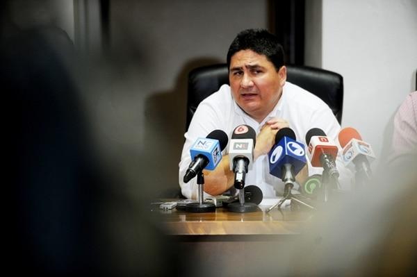 El ministro de Obras Públicas y Transportes, Pedro Castro, dijo ayer que demandará por difamación, injurias y calumnias. | ARCHIVO / MARCELA BERTOZZI.