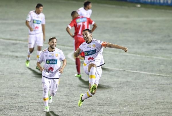 El Herediano fue abajo en el marcador en su visita al Ebal Rodríguez, pero salió con una victoria de 4-1.