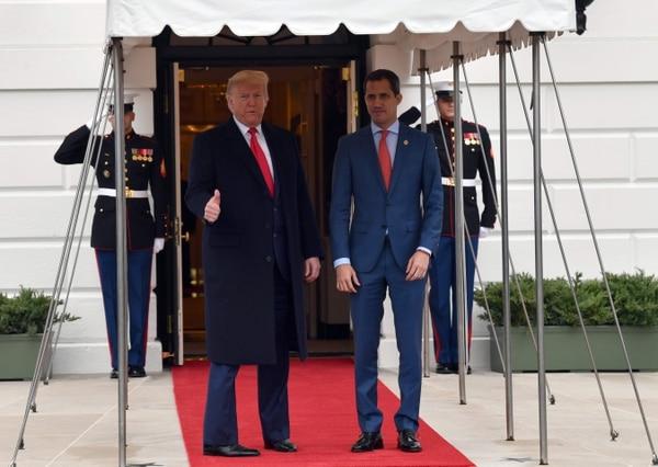 El líder opositor venezolano Juan Guaidó se reunión con el presidente de Estados Unidos, Donald Trump, el pasado 5 de febrero en la Casa Blanca, en Washington. Foto: Nicholas Kamm / AFP.