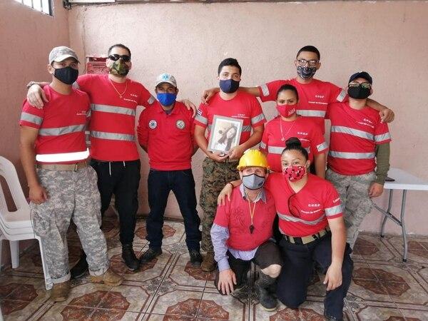 El Cuerpo Voluntario de Emergencias de Pavas, con colaboración de OPEC Cartago y otros grupos, se encargó de buscar evidencias relacionadas con el caso de Allison Bonilla por 12 días. Foto: Keyna Calderón, corresponsal GN