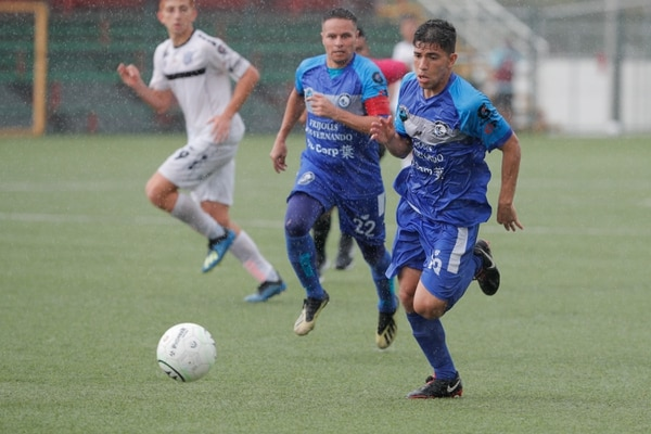 Escazuceña venció a Futbol Consultants en la semifinal. Foto Jeffrey Zamora