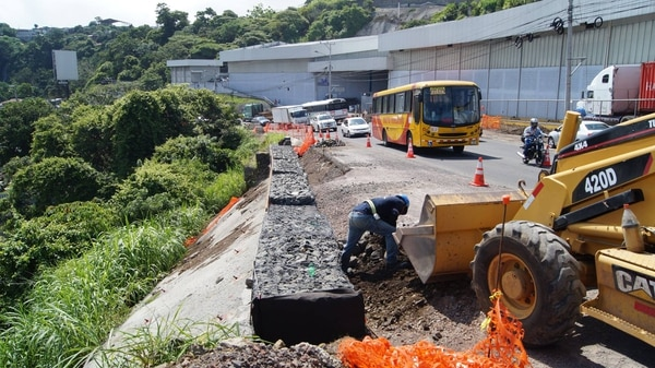 El MOPT tiene contemplado realizar trabajos de estabilización en la carretera que comunica la fábrica Pozuelo con Jardines del Recuerdo.