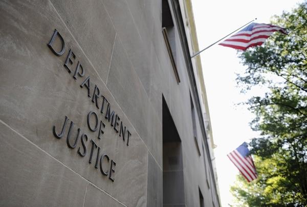 En total, 260 personas fueron arrestadas en varios países por estafar a más de 2 millones de estadounidenses, usando métodos como supuestos ofrecimientos de préstamos ficticios y premios falsos.