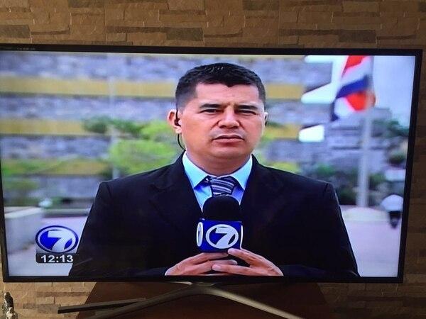 """El periodista @de sucesos de Telenoticias, Christian Montero, acudió, apenas le cayó el aguinaldo, a hacerse el examen de la próstata, como debe ser, puesto que el sancarleño ya está en las cuatro décadas. La efectiva campaña de """"Movember"""" hizo mella en él y ojalá muchos sigan su ejemplo."""