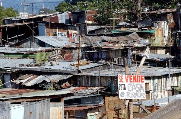 Los recursos del impuesto solidario se deben destinar a dar casa a las perosnas que no la tienen y que viven en tugurios.