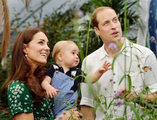 Aumenta la familia. El príncipe Jorge, primer hijo de Catalina y Guillermo de Inglaterra, tiene 13 meses. AP.