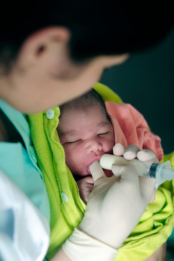 En 19 cantones del país los bebés prefieren meses distintos a octubre y setiembre para nacer en mayor cantidad.   JOHN DURÁN