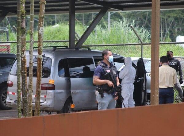 En la buseta encontraron balas de fusil de asalto AK-47. Foto: Cortesía