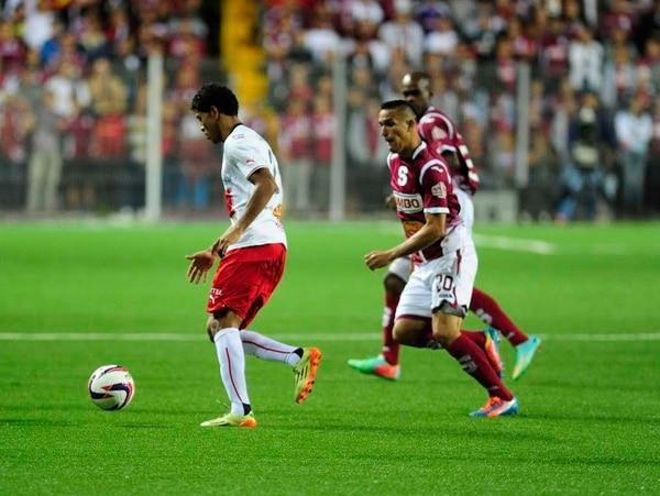 Morados y manudos juegan esta noche en el estadio Ricardo Saprissa.
