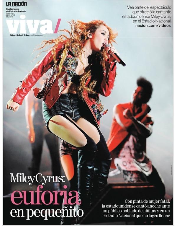 Miley Cyrus vino acompañada de 46 personas, entre ellos ocho bailarines, dos coristas y seis músicos para su espectáculo.