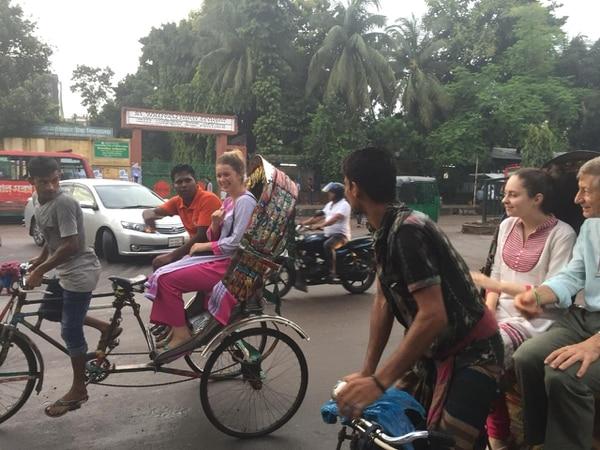 Uno de los principales medios de transporte en Bangladés, la bicicleta. Fotografía: Frank Artavia Doñas