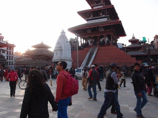 Sanjeev Rana visitó Nepal en enero pasado y recorrió el centro de Katmandú con su familia. El terremoto derrumbó parte de esos monumentos.