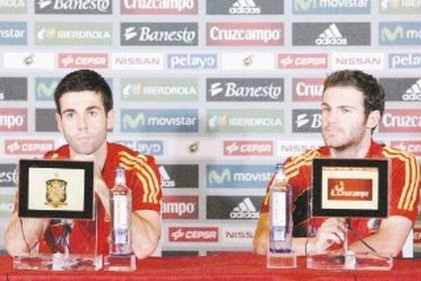 Juan Mata, quien regresó a la selección española, atendió a los medios de prensa. Dijo que a pesar del largo viaje darán un buen partido. | EFE