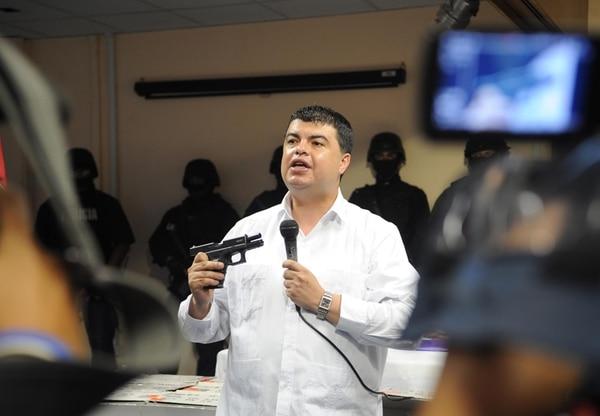 El sistema digital ControlPas se empezó a utilizar a finales del 2013, durante la gestión de Mario Zamora como ministro de Seguridad. Él impulsó la digitalización de esos procesos.   GRACIELA SOLÍS / ARCHIVO.