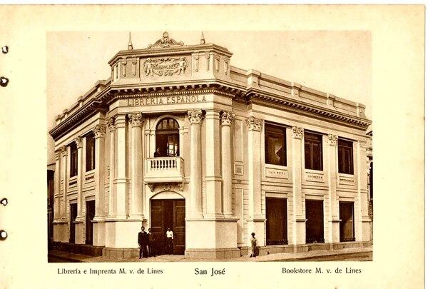 De acuerdo con registros fotográficos, en las primeras décadas del siglo XX, al menos en la ciudad de San José, existían un conjunto de edificaciones de gran dignidad constructiva que dejaron de existir como Librería Española. Foto: ICOMOS para LN